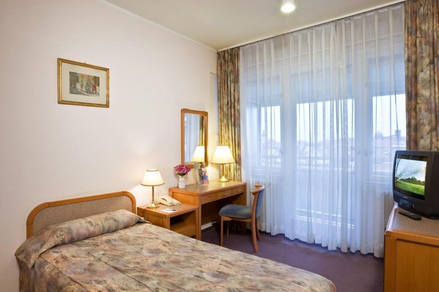 hotel-raba-city-center-gyor-pokoj-hotel-raba-city-center-gyor-madarsko-dovolena-s-ck-geovita
